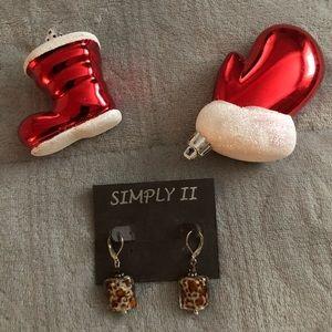 Earrings with leopard print, very trendy